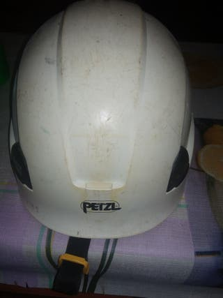 casco para obra ,o escalar homologado marca (PETZL
