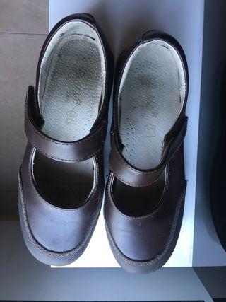 Zapato colegial mercedita niña marrón