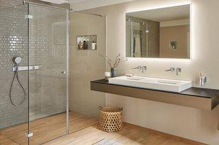 Instalación de mamparas, sanitarios y muebles baño