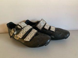 Zapatillas Fizik R3 Carbono-Piel .Talla 40