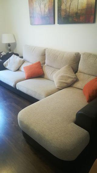 Precioso sofá chaise longue y muy cómodo