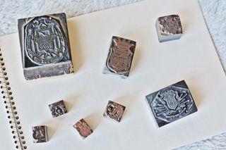 Sellos de antigua imprenta temática escudos