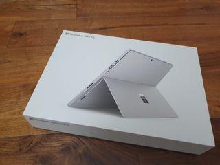Microsoft Surface Pro 6 + pen + soft keyboard