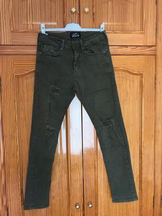 Pantalón vaquero largo verde oscuro