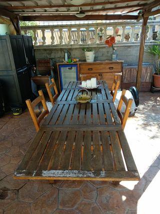 mesa extensible de jardín ,sillas y cojines