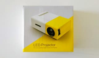 LED Projector cost-efficient high resolution