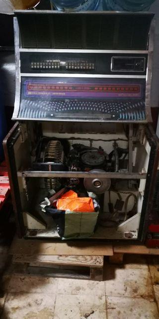 vendo dos maquinas sinfonola 2000