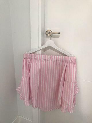 blusa de rayas rosas y blancas