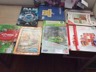 Lote de libros escolares en buenas condiciones