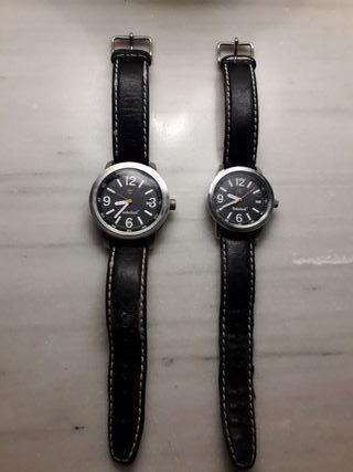 Dos relojes Timberland