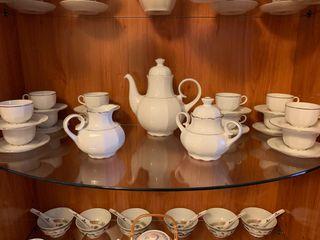 Juego de café y sopera de Porcelana Santa Clara