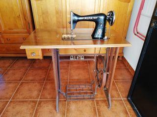 Máquina coser alfa años 50