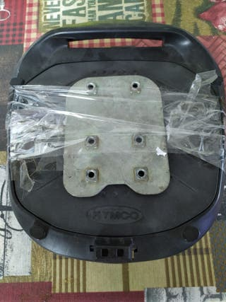 base o soporte maleta Kymco