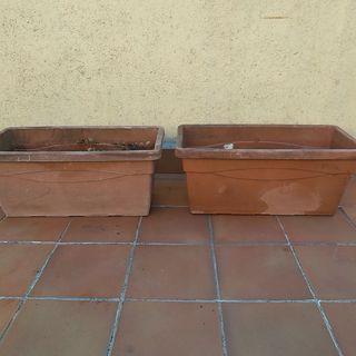 Macetas grandes para plantas de exterior.