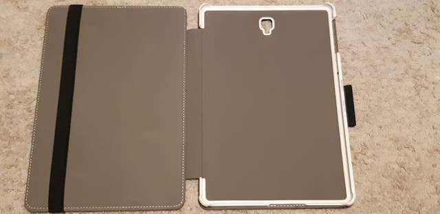 Tablette Samsung Galaxy Tab s4 + étui de protectio