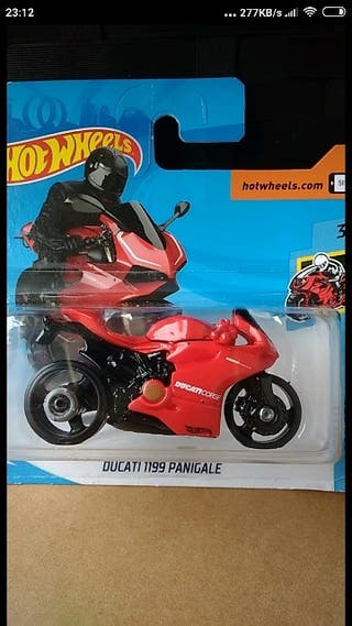 Ducati 1199 Panigale. Hot wheels