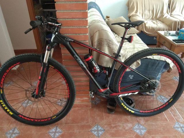 vendo bicicleta de montaña!!