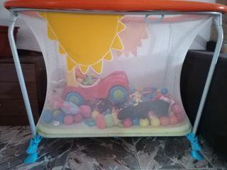 cuna de juego o parque infantil