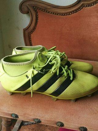 bota de fútbol