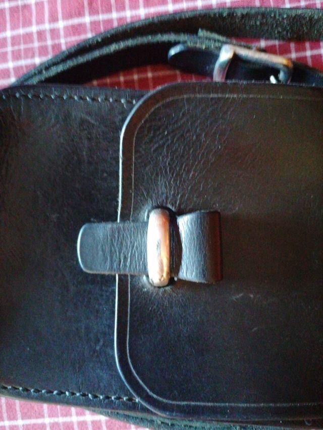 bolso de cuero artesano, tipo bandolera