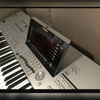Yamaha Clavier Tyros 5-76 touches