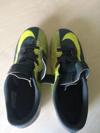 Botas de futbol nike talla 35