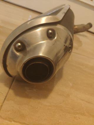 tubo de escape de serie Suzuki