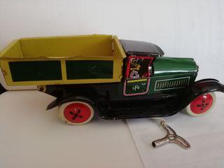 Camioneta hojalata
