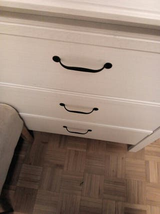 cómoda IKEA.