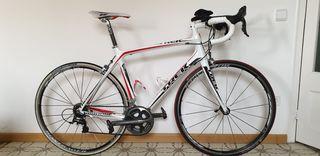 bicicleta Trek madone 4.9