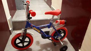 Bicicleta Spiderman 12 pulgadas, casi a estrenar.
