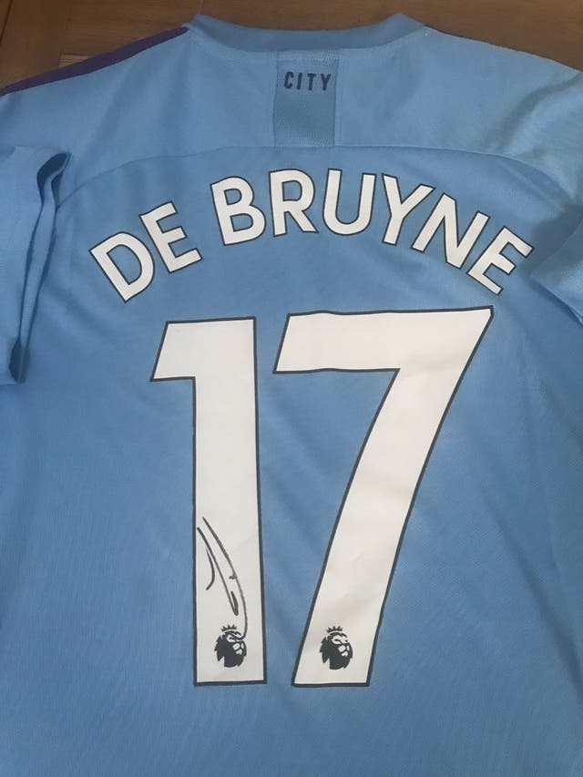 Signed De Bruyne shirt with proof