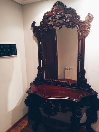 Aparador con espejo de segunda mano por 190 € en León en