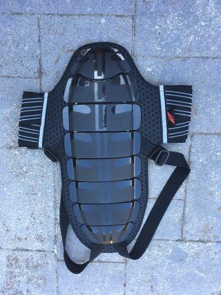 Protector espalda para moto marca Zandona