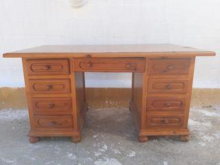 Mesa de despacho con sillón