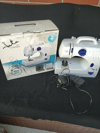 maquina coser Jata mini 675