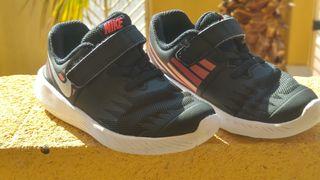 Nike Star Runner zapatillas para niña, tamaño 26