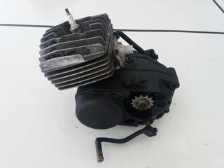 Motor Suzuki minicross