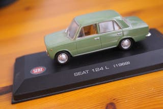 Miniatura Seat 124 L