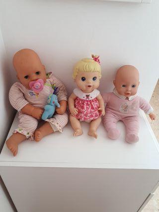 Muñecos y ropa
