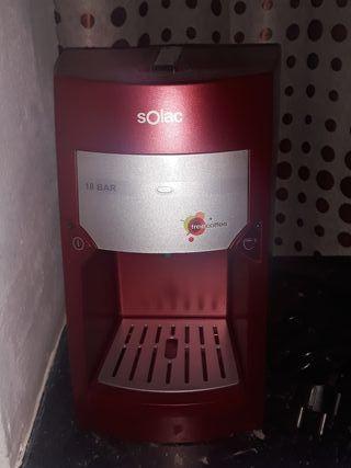 Cafetera Solac roja 18Bar