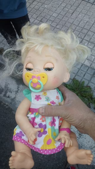 muñeca baby alive come espaguetis