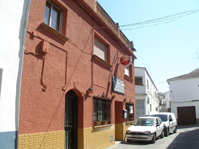 Edificio comercial y vivienda (Benaoján, Málaga)