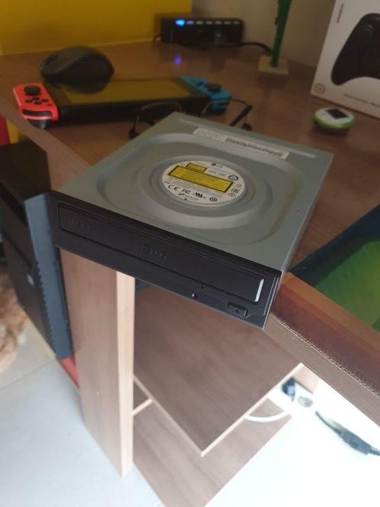 Lector DVD Sata LG y grabador