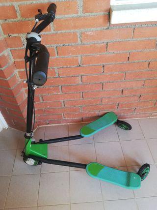 Patinete de 3 ruedas plegable con freno delantero