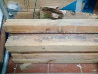 bigas de madera de pino seco