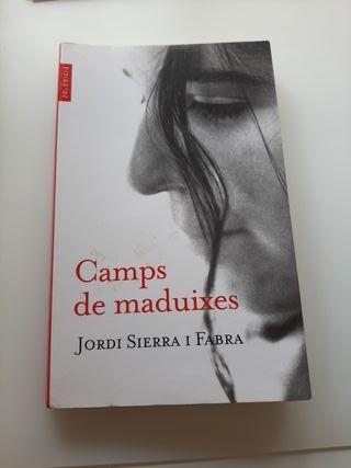 """Llibre """"Camps de maduixes"""""""