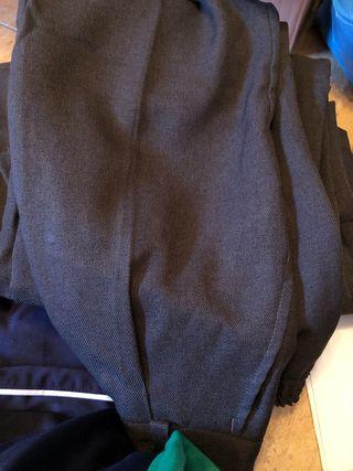 Pantalones de uniforme grisese