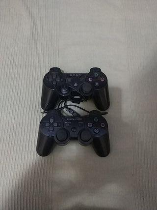 Dos mandos PS3 + cable para cargarlos