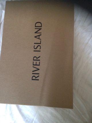 River islands heels
